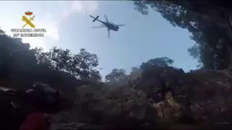 Video: Rettungsaktion per Hubschrauber aus Sturzbach