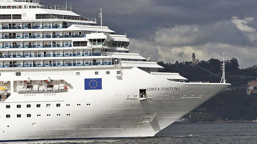 El tráfico de cruceros sigue en caída libre: la mitad de escalas del año, ya canceladas