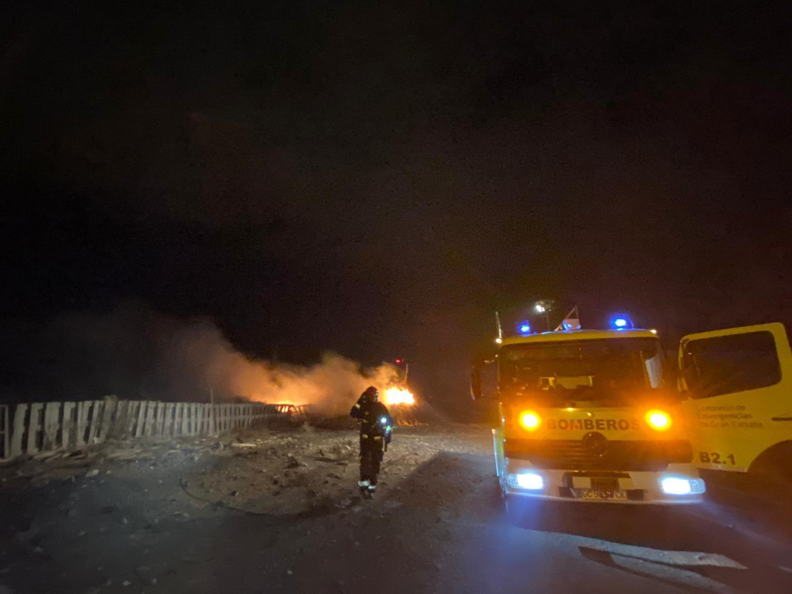 Noche incendiaria en Agüimes