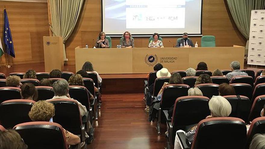 La magistrada del Constitucional María Luisa Balaguer presenta su último libro