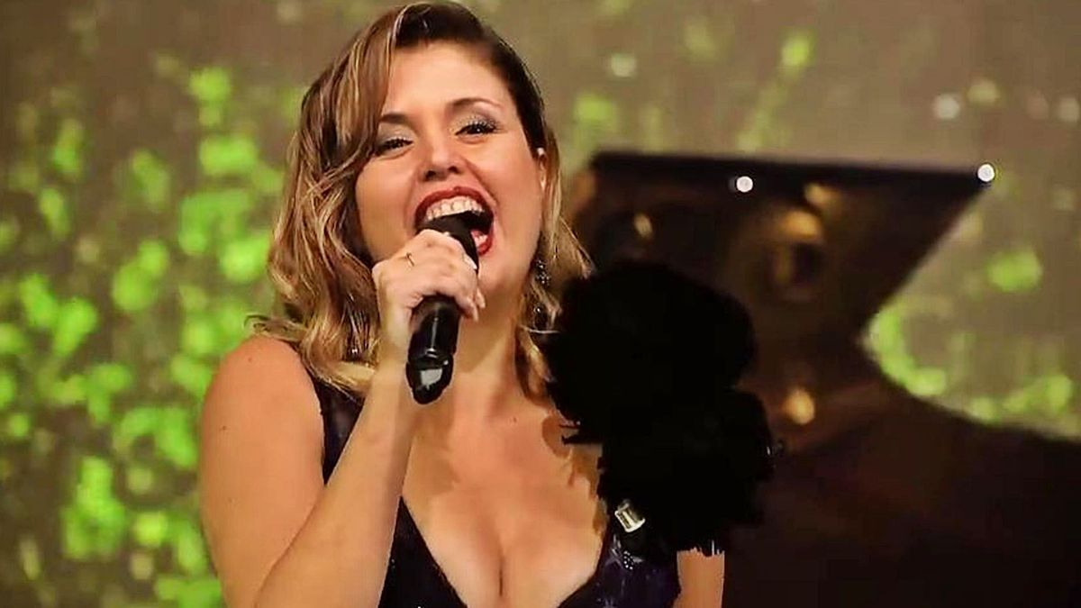 The singer Cristina Ramos, star of the Christmas Eve programming on Canary Television.  |  |  LP / DLP