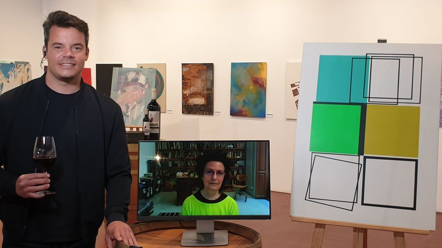 Encarna Sepúlveda, ganadora del concurso de pintura de la bodega toresana Fariña