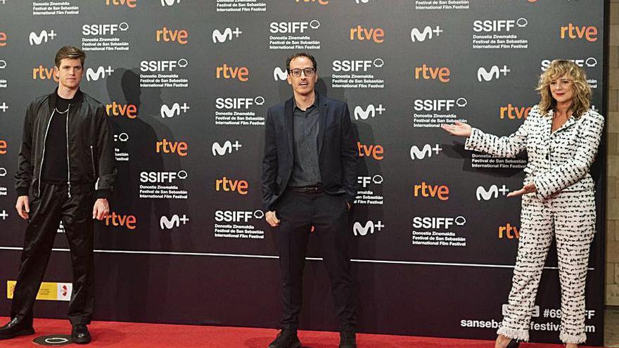 «Emma Suárez y Roberto Álamo son superintuitivos y aportaron mucho a 'Josefina'»