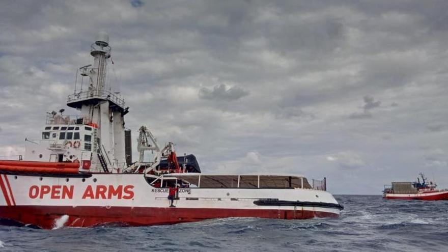 El 'Open Arms' rescata a 56 migrantes en el Mediterráneo