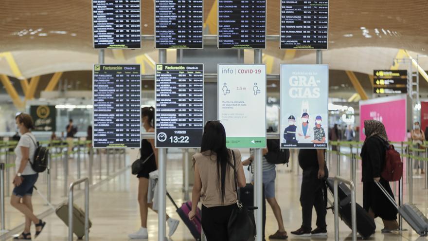 Los pasajeros aéreos bajan un 76,1% en mayo