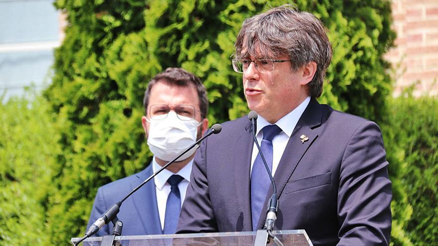 Aragonès i Puigdemont llimen asprors després de la negociació del Govern