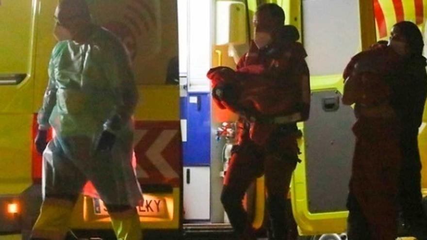 Fallece uno de los niños evacuados de una patera en Gran Canaria