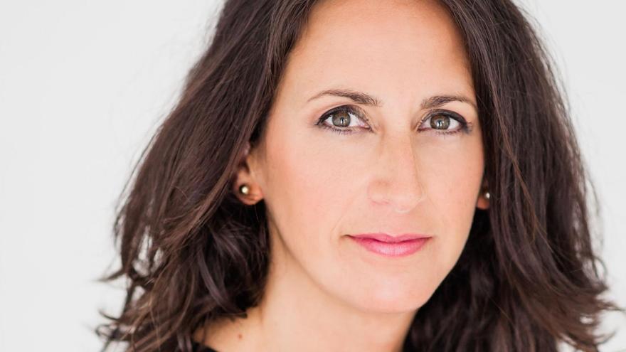 La escritora gallega María Oruña presenta su última novela en Onda el 26 de marzo.