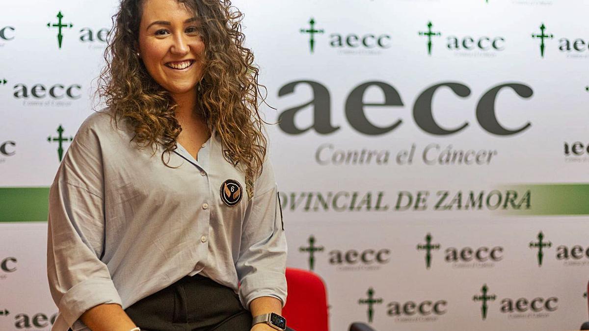 Nora García, en la sede de la asociación de la AECC de Zamora.