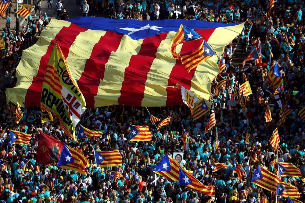 Miles de personas reclaman la independencia en ...