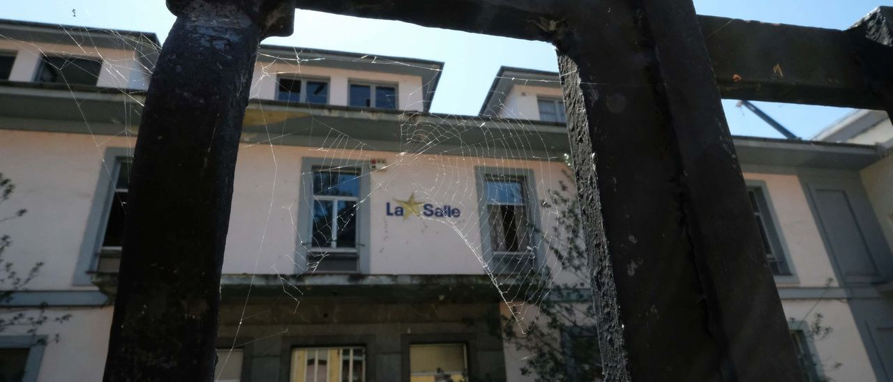 El antiguo colegio de La Salle de Turón.