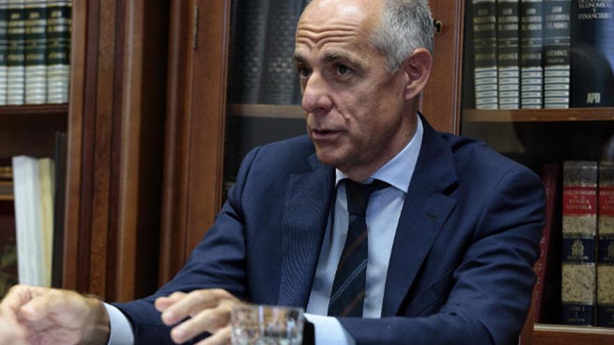 """Santiago Sesé: """"Canarias depende de los flujos turísticos para evitar un crac social"""""""