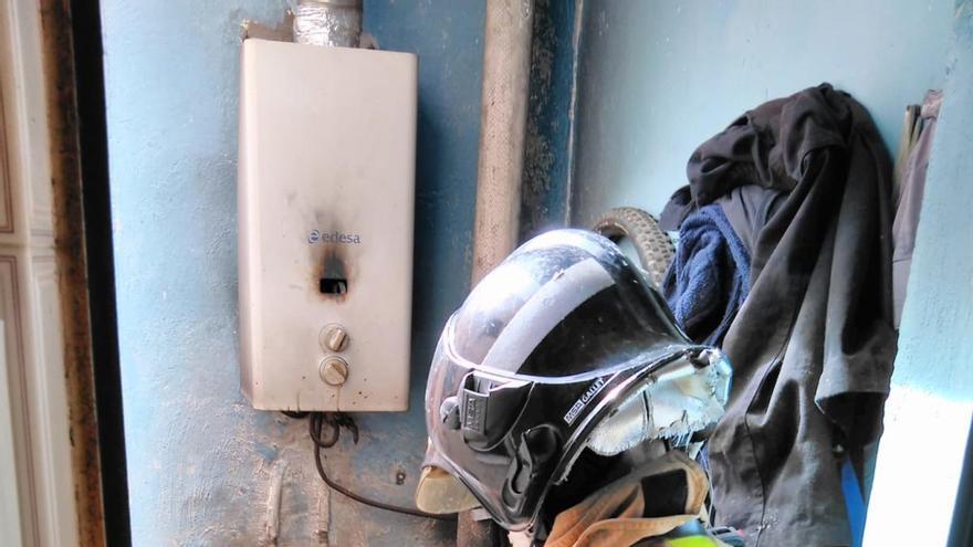 Incendio en Cieza tras la explosión de una bombona de butano