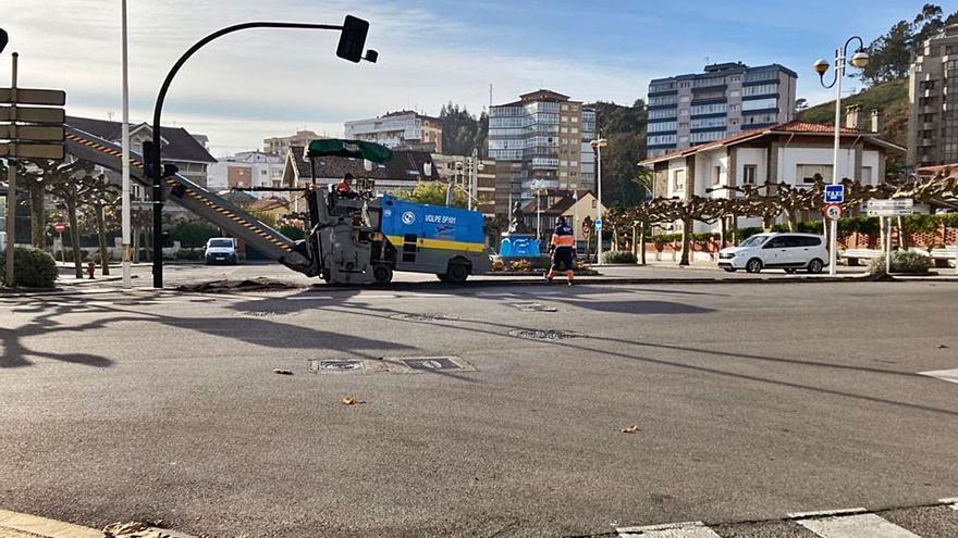 Empieza la pavimentación de la plazoleta del Niño, en Salinas