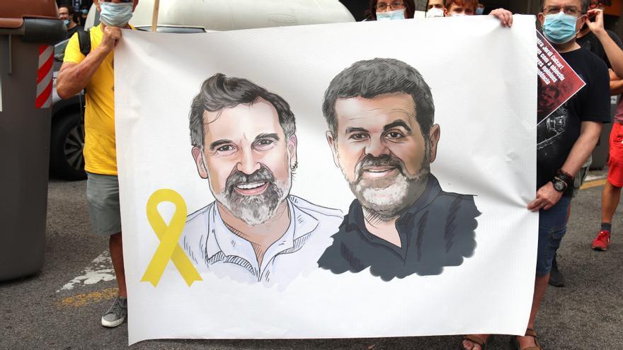 El Constitucional avala les condemnes de Cuixart i Sànchez i els obre la via judicial europea