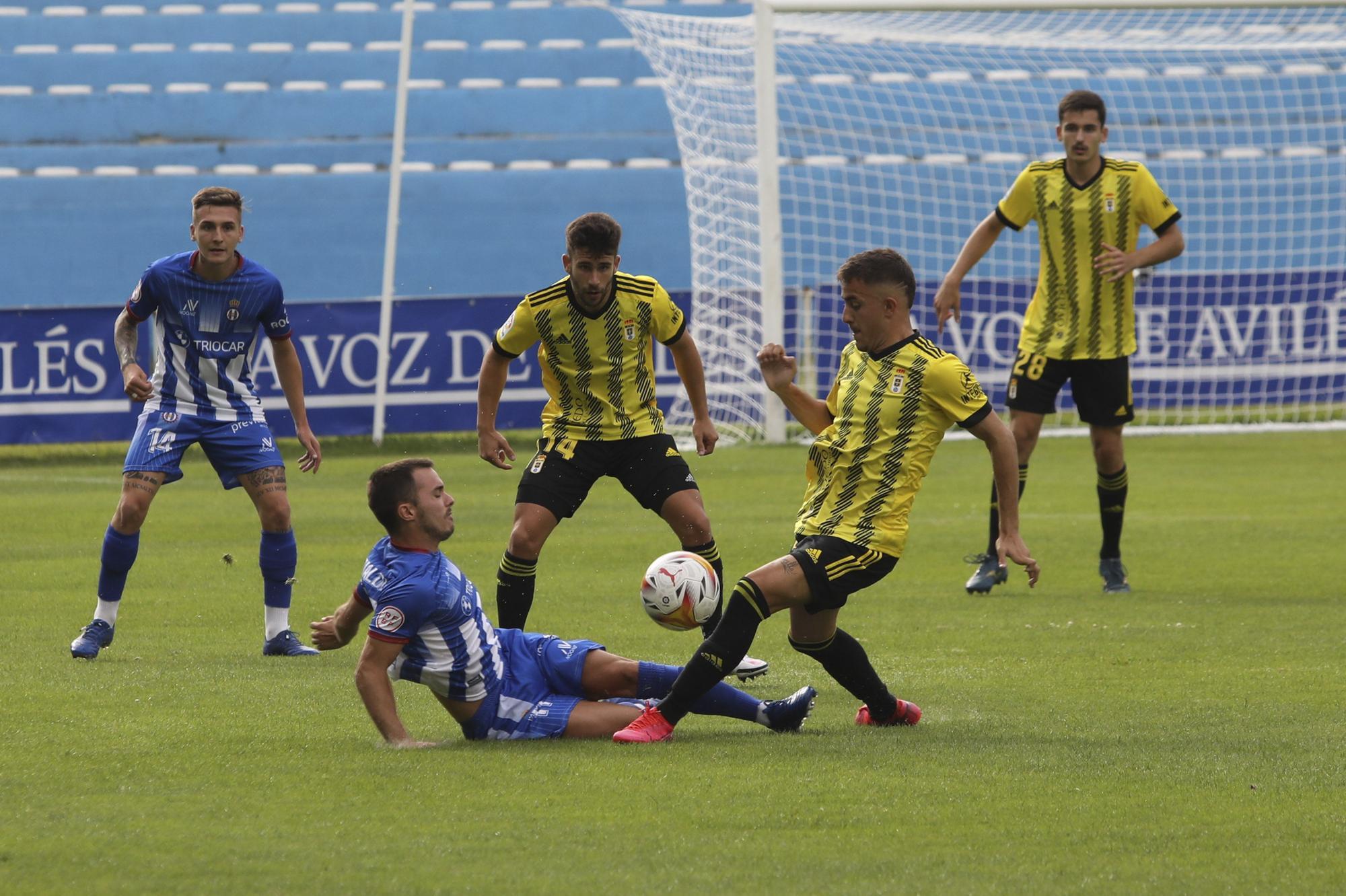 Las imágenes del partido del Oviedo contra el Avilés