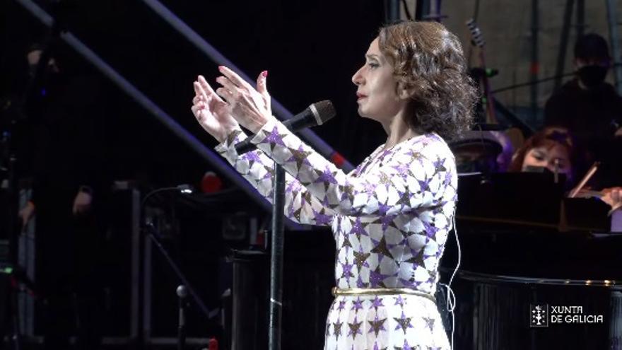 Así fue el memorable concierto de Luz Casal y la Real Filharmonía desde el Obradoiro