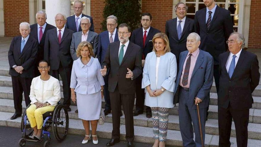 """Rajoy alaba la España """"moderada"""" que quiere ser """"pujante"""" al premiar a Albor y a Froiz"""