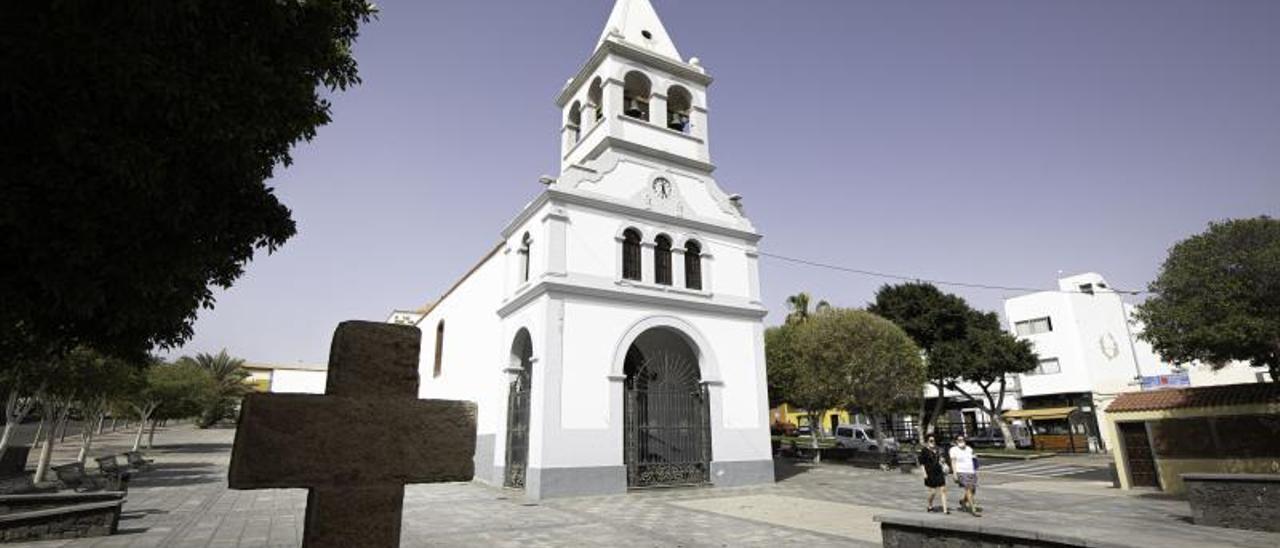 Imagen de la plaza que circunda la iglesia Nuestra Señora del Rosario, en la capital majorera.