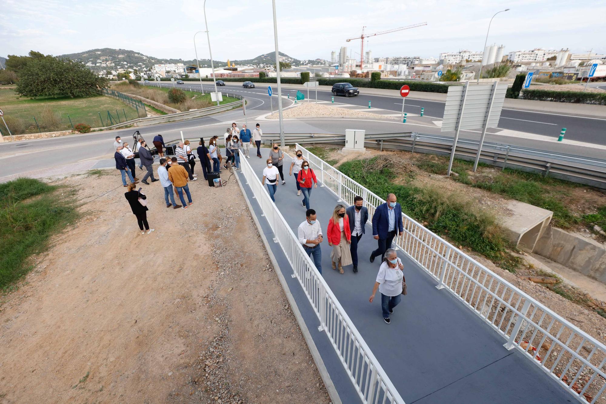 Inauguran la pasarela que une Ibiza con Puig d'en Valls