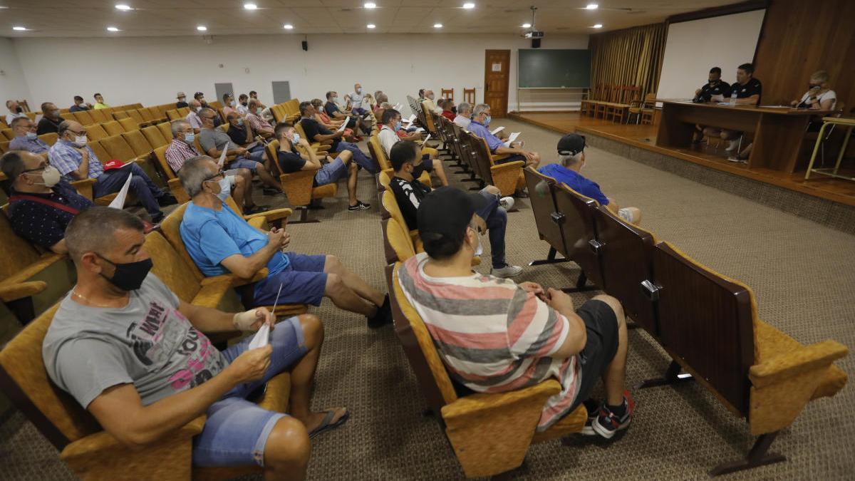 Un momento de la asamblea del Saguntino celebrada este martes.