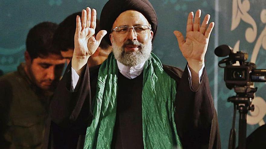 L'Iran, obligat a votar un president ultraconservador