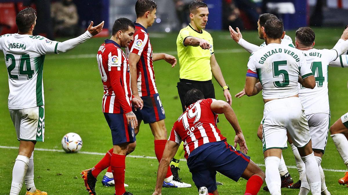 Atlético de Madrid - Elche CF: Estrada frena en seco al Elche (3-1)