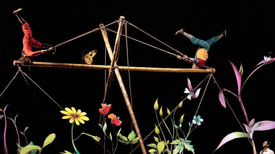 El festival Nosolocirco se abre con pasacalles y coreografías aéreas en Navalmoral