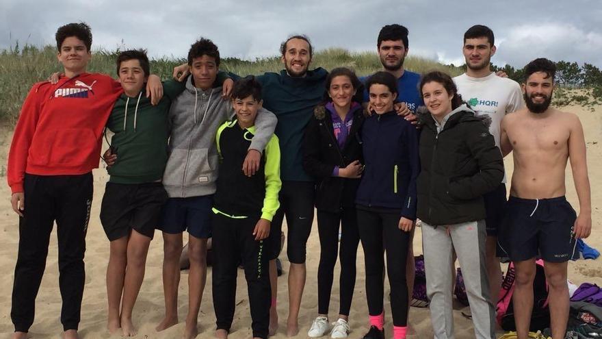 Javier Carballo enseña sus secretos en la competición de banderas en arena