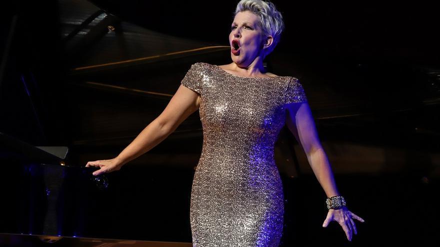La mezzosoprano Joyce DiDonato omple de lírica l'Espai Ter, en la inauguració del Festival de Torroella