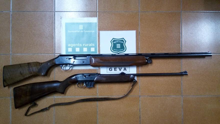 Agents Rurals denuncia una persona sense llicència d'armes caçant amb una carabina semiautomàtica