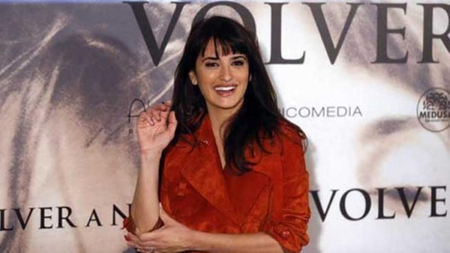 Penélope Cruz presenta la película 'Volver a nacer'