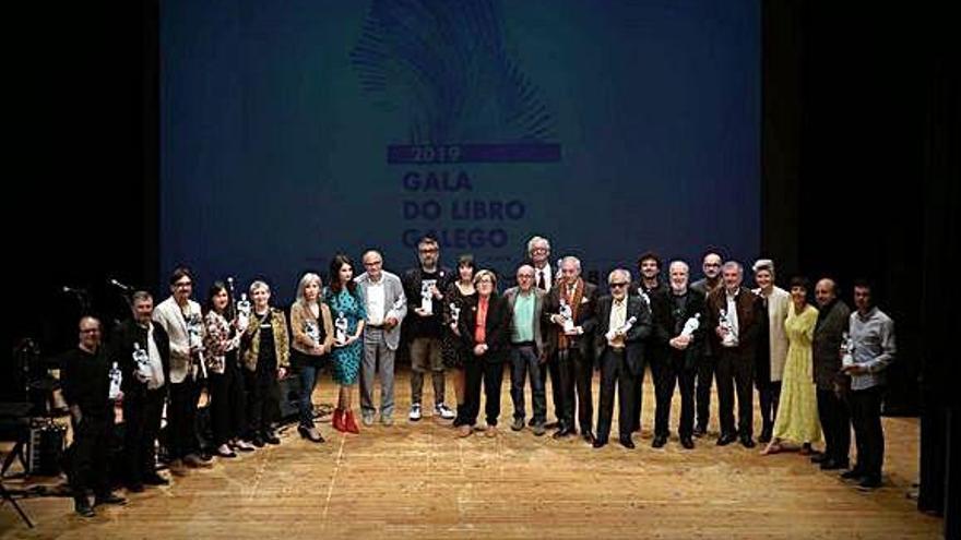 Los Premios do Libro Galego reconocen a Iolanda Zúñiga y al Grupo Chévere en teatro