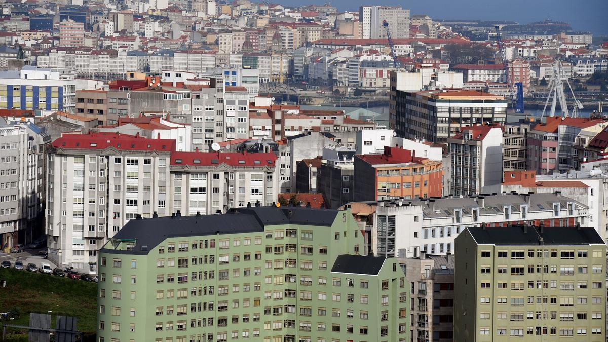 Vista de edificios en el casco urbano de A Coruña.