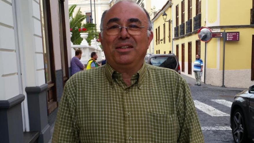 Manuel Hernández descubre al singular Miguel Cabral de Noroña