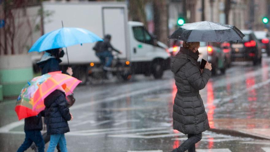Los 4 primeros meses de año tienen anomalías opuestas térmicas y pluviométricas en España