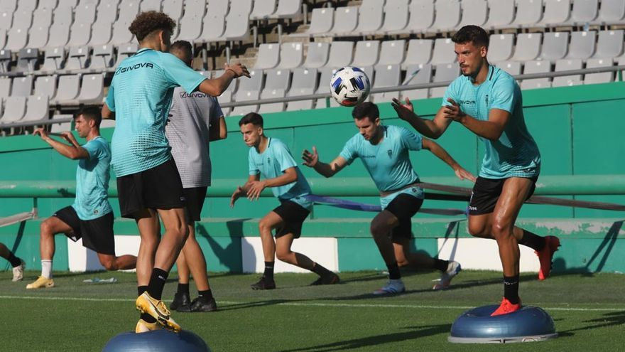 El Córdoba CF tiene plan: seis entrenamientos y dos partidos
