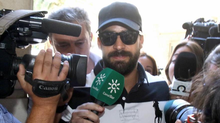 El guàrdia civil de La Manada seguirà en llibertat fins que l'Audiència de Navarra decideixi