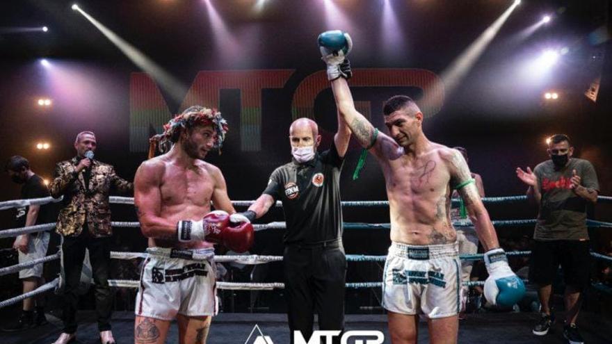 Toni Romero conquista el Muay Thai GP de Alicante