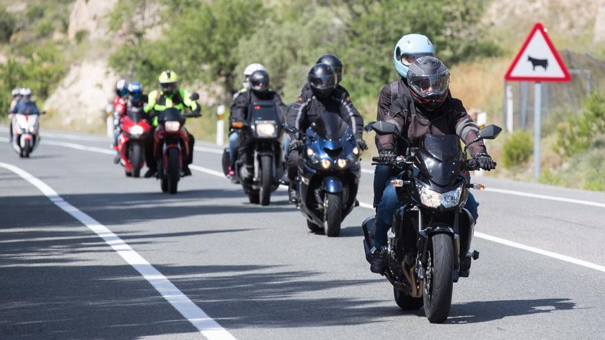 Més Xixona y PSOE proponen rutas ciclistas protegidas para frenar la inseguridad por las motos en La Carrasqueta