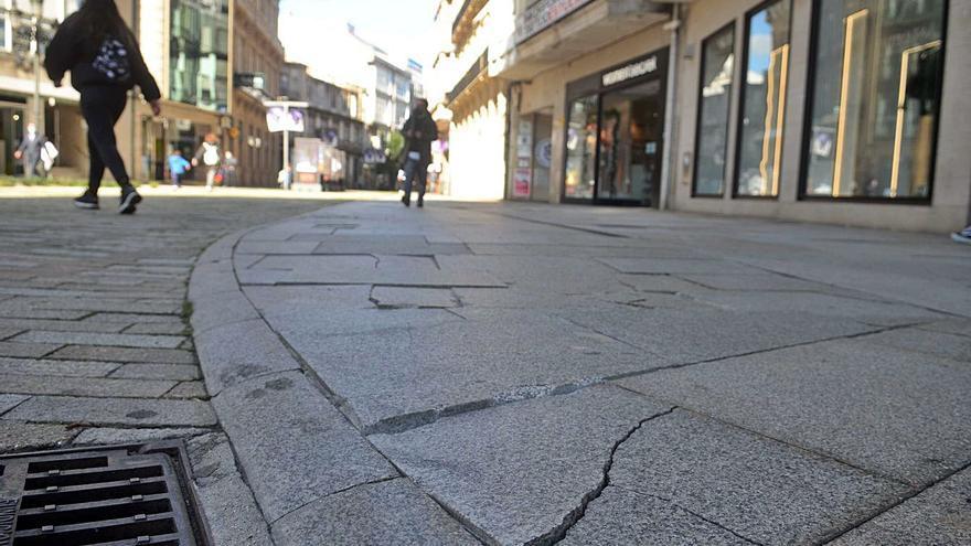 Ravella deniega casi todas las reclamaciones ciudadanas por caídas en baldosas en mal estado