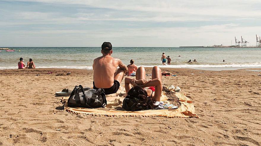 Dueños de segundas residencias intentan venir a Málaga fingiendo averías o juntas vecinales