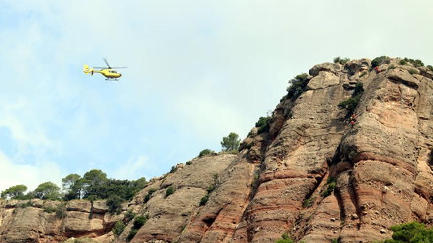 Rescaten una dona que ha caigut per un barranc a la cala Calella de l'Estartit