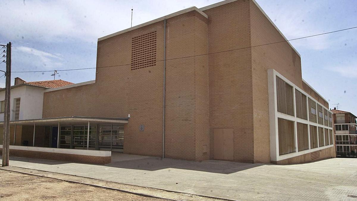 Imatge exterior de l'institut Moianès de Moià   ARXIU/ANDREU OLIVÉ