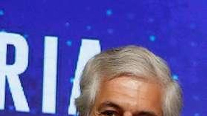Casado renueva la candidatura de Madrid con Adolfo Suárez como número dos