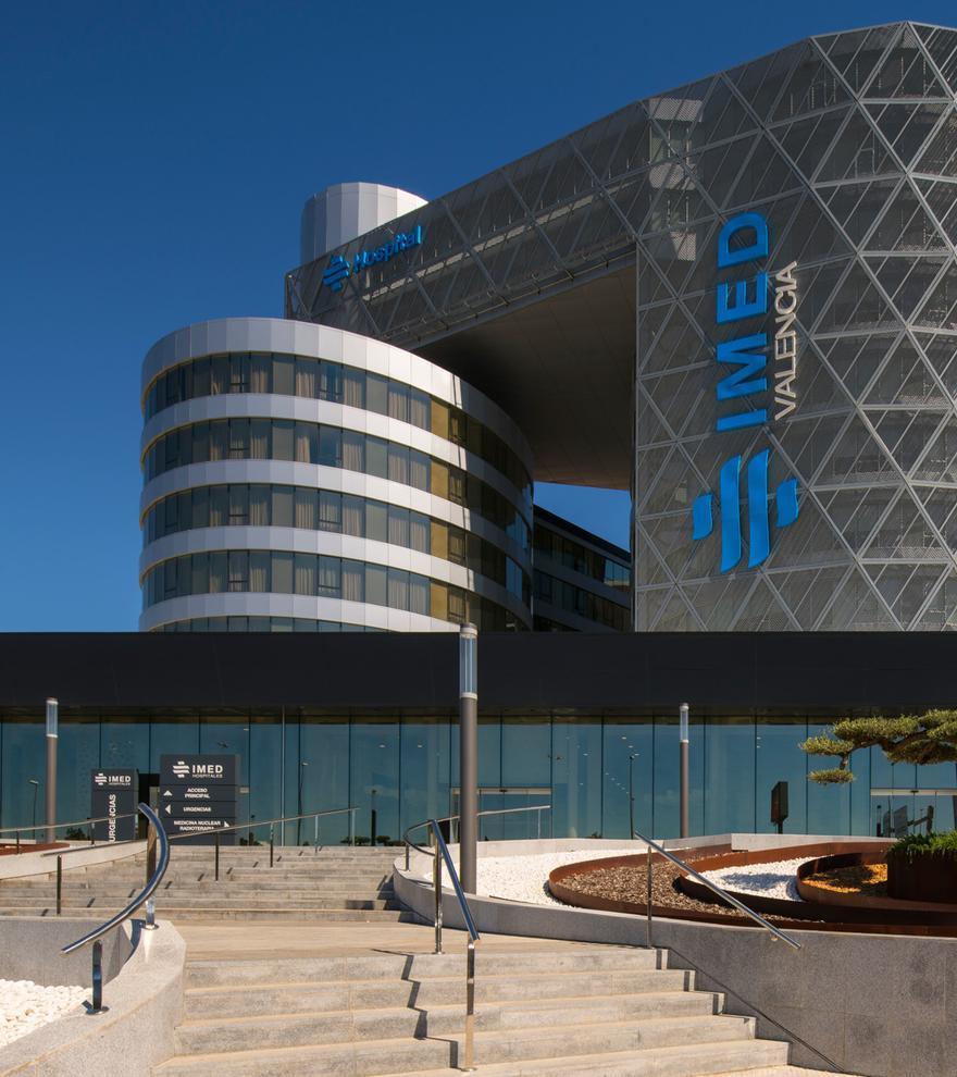 Entrada principal del Hospital IMED Valencia.