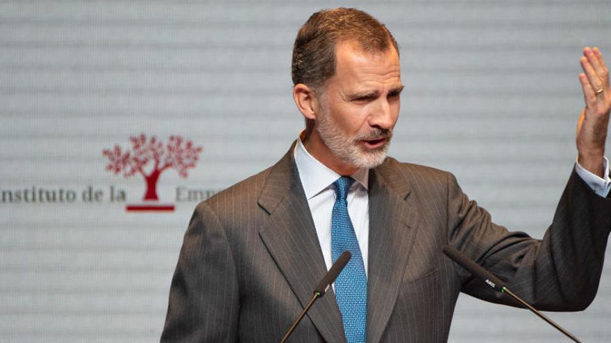 """El Rey subraya el papel """"vertebrador"""" que poseen las empresas familiares"""