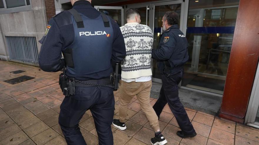 Decretan prisión provisional para un joven por agresión sexual a una mujer en Llaranes