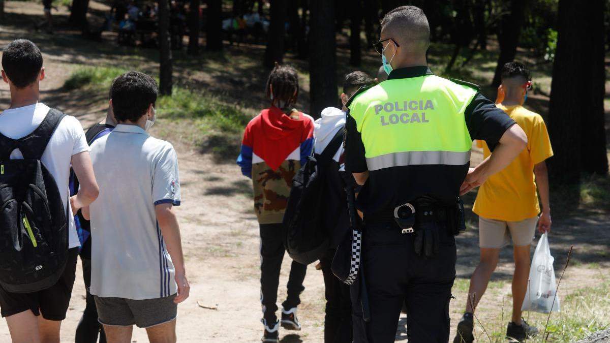 Intervención policial en el pinar de Salinas.