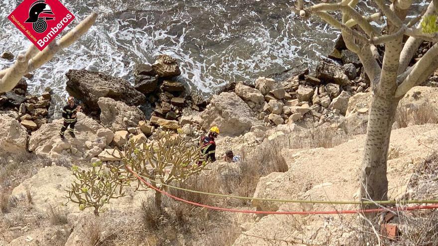 Rescatan a un joven atrapado en un acantilado de Calp